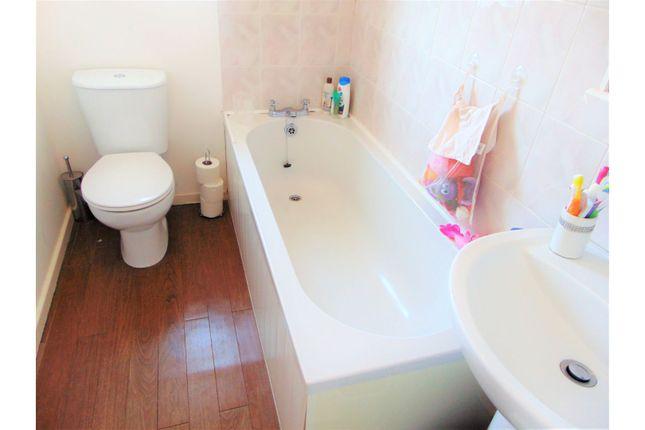 Bathroom of George Street, Oldham OL2