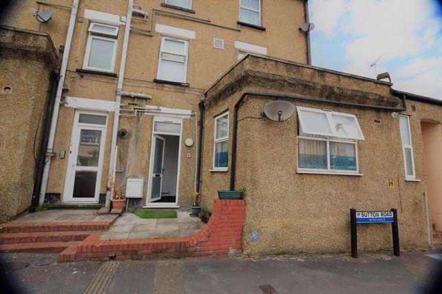 Studio to rent in Sutton Road, Watford