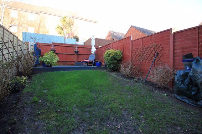 Garden of Pomeroy Crescent, Hedge End, Southampton SO30