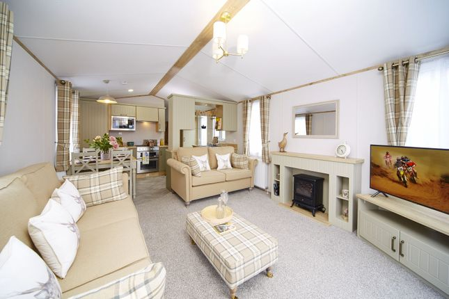 Thumbnail Lodge for sale in Borwick Lane, Carnfroth