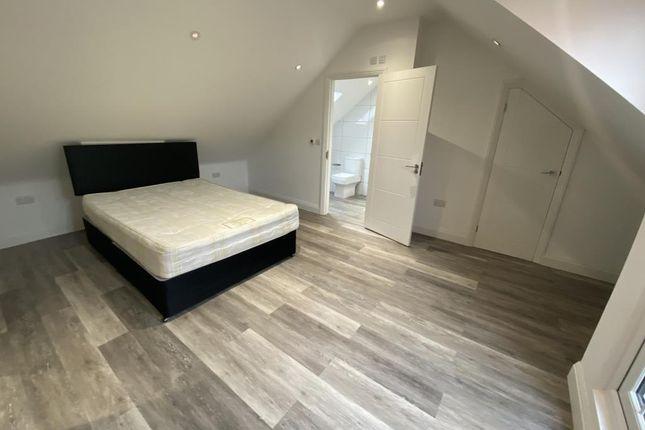 Master Bedroom of Kapa House, Reading RG1
