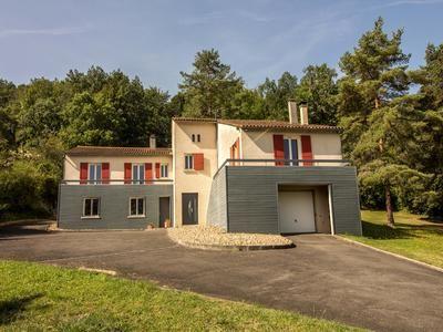 Thumbnail Villa for sale in La-Couronne, Charente, France