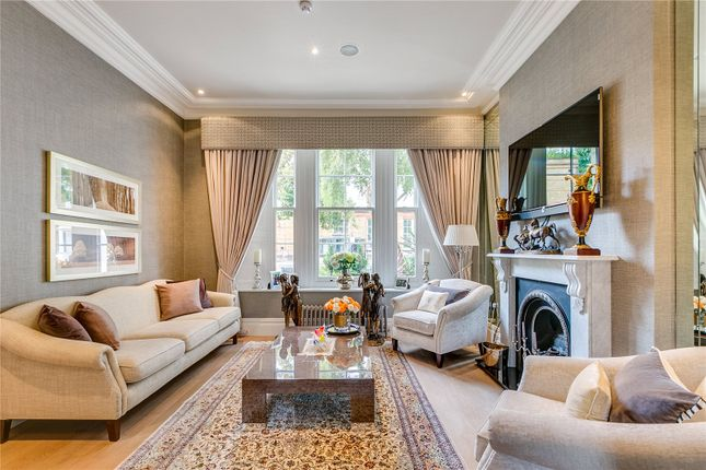 4 bed terraced house for sale in Formosa Street, London