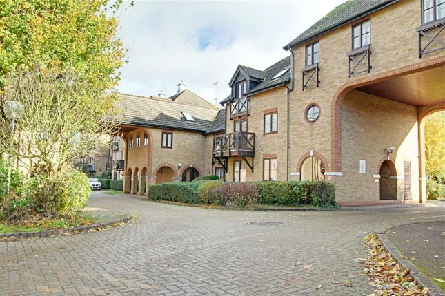 Thumbnail Flat for sale in Sheering Mill Lane, Sawbridgeworth, Herts