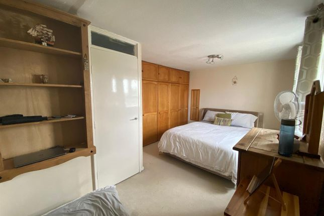 Master Bedroom of Logan Close, Hounslow TW4