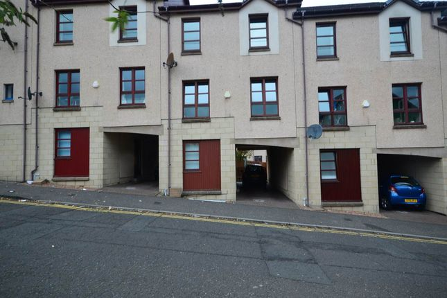 Thumbnail Town house to rent in Urquhart Street, Dundee