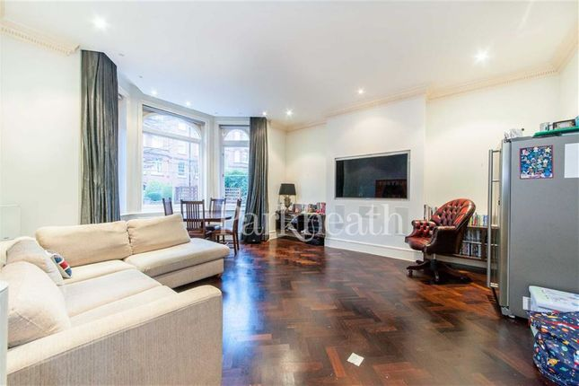 1 bed flat for sale in Compayne Gardens, South Hampstead, London