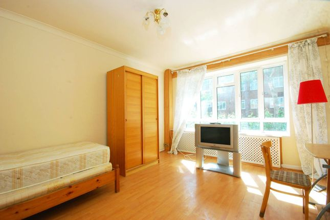 Thumbnail Flat for sale in Kilburn Vale, Kilburn