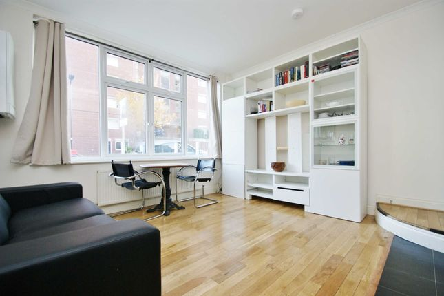 2 bed flat to rent in Mill Hill Road, London