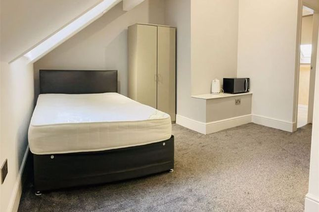 Room to rent in Kings Road, Doncaster DN1