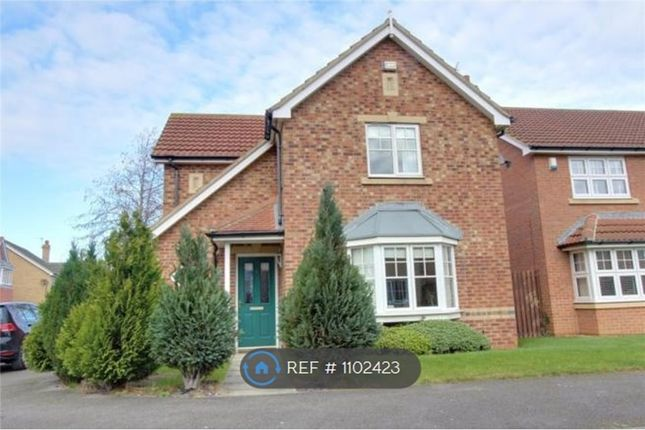 3 bed detached house to rent in Whiteoaks Close, Redcar TS10