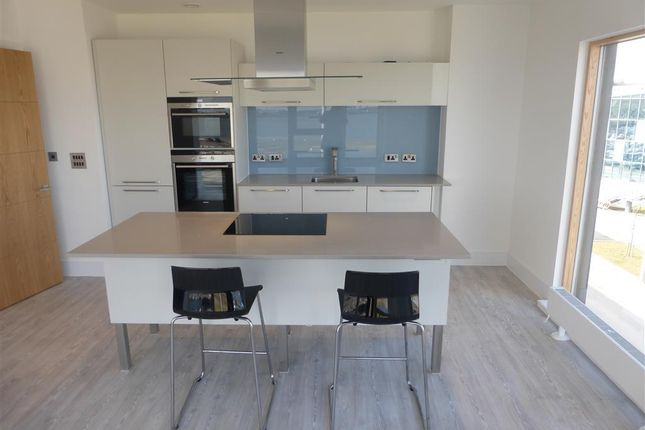 Thumbnail Flat to rent in Empire Way, Cardiff