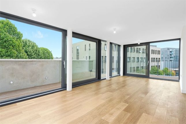Thumbnail Flat to rent in Cocoa Mill, Lpndon, Shad Thames