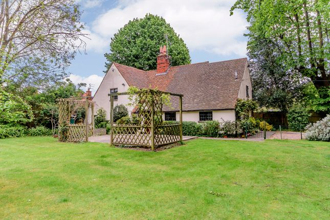 Thumbnail Detached house for sale in Ferry Road, Bray, Maidenhead