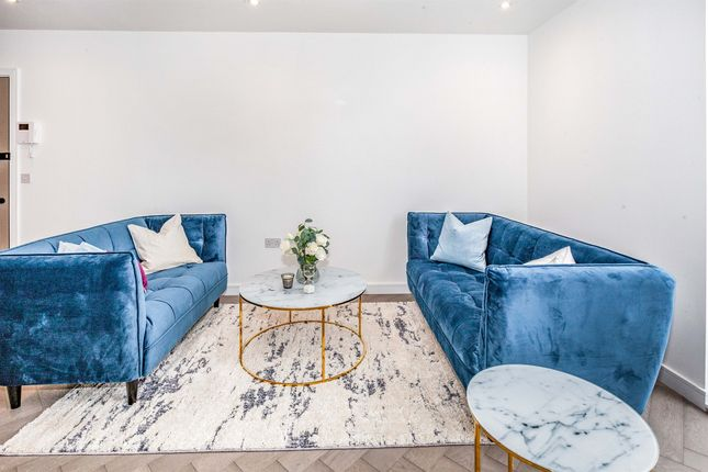 2 bed penthouse for sale in The Windsor, 50 Wellington Street, Slough SL1