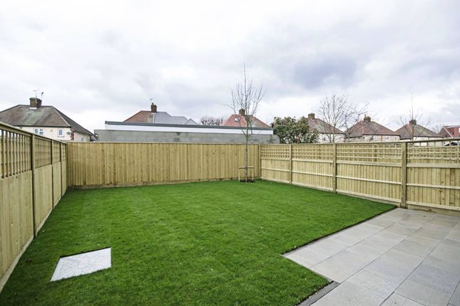 Thumbnail Property for sale in Rainbird Close, Perivale