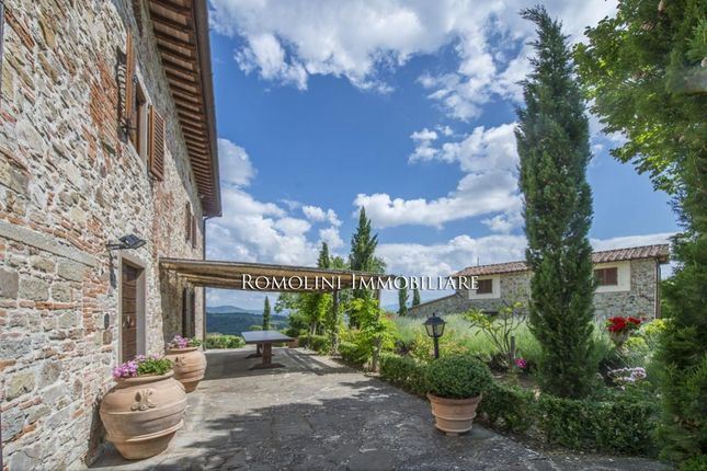 Panoramic View Farmhouse, Pitch & Putt Golf Course For Sale In Sansepolcro, Tuscany