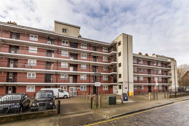 Thumbnail Flat for sale in Hunton Street, London
