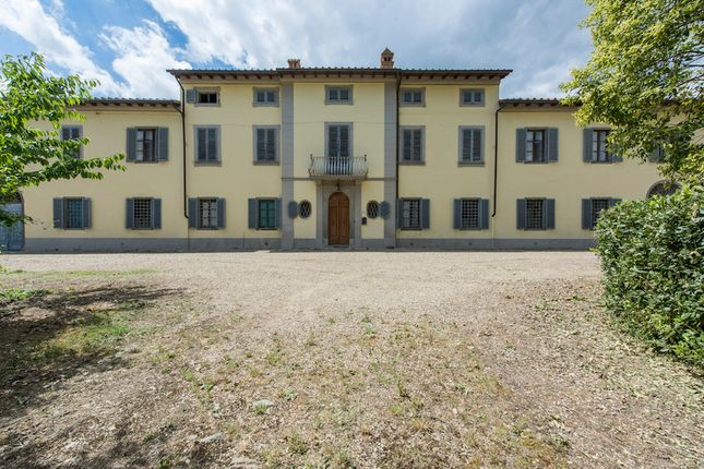 Villa for sale in Forence, Tuscany, Italy