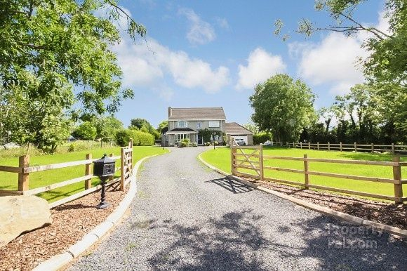 Thumbnail Detached house to rent in Lough Road, Ballinderry Upper, Lisburn