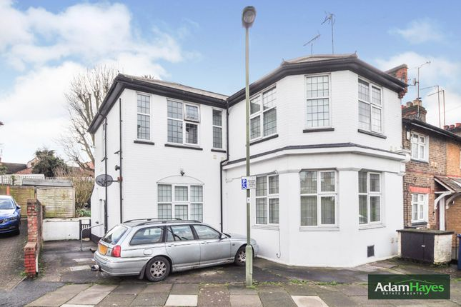 Thumbnail Flat for sale in Manor Cottages Approach, East Finchley