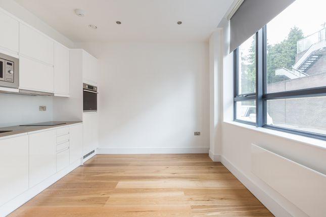 1 bed flat to rent in Burrell Road, Haywards Heath RH16
