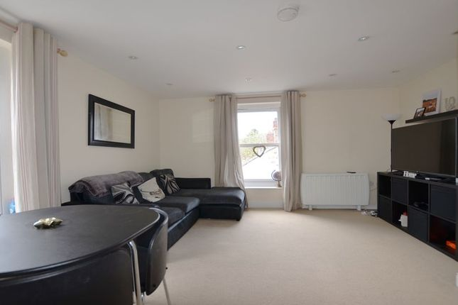 Thumbnail Property to rent in Birchett Road, Aldershot