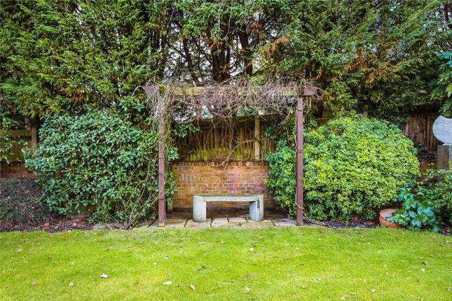 Picture No. 15 of Hall Farm Close, Stanmore HA7
