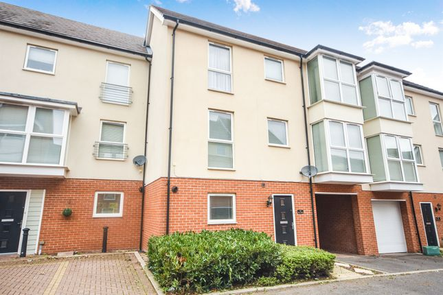 Thumbnail Town house for sale in Pearl Square, Great Baddow, Chelmsford