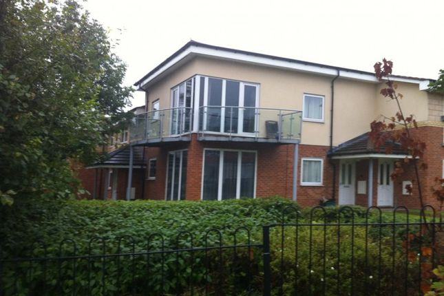 2 bed flat to rent in Alexander Court, Swanswell Road, Acocks Green, Birmingham B92