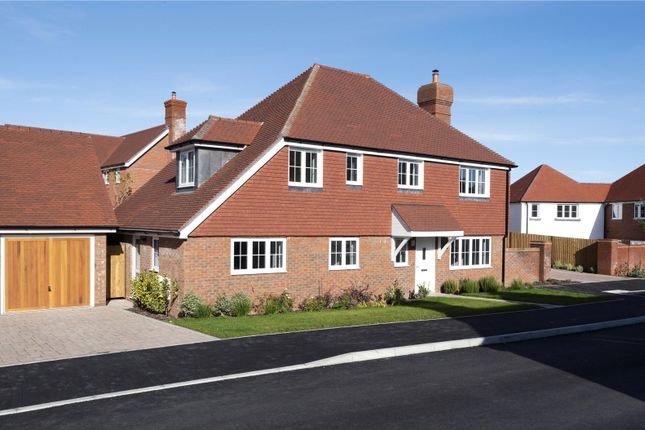 Thumbnail Detached house for sale in Oakwood Way, Wadhurst, East Sussex