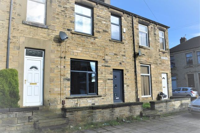 Thumbnail Terraced house to rent in Handel Terrace, Moldgreen, Huddersfield