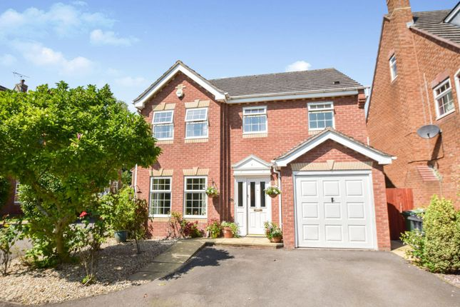Thumbnail Detached house for sale in Horseshoe Way, Hempsted