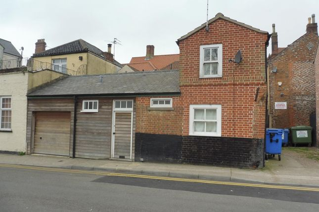 Thumbnail Flat to rent in Deneside, Great Yarmouth