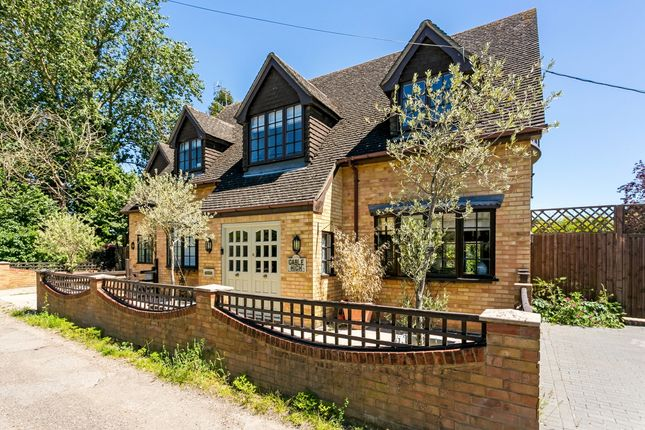Thumbnail Detached house to rent in Roses Lane, Windsor