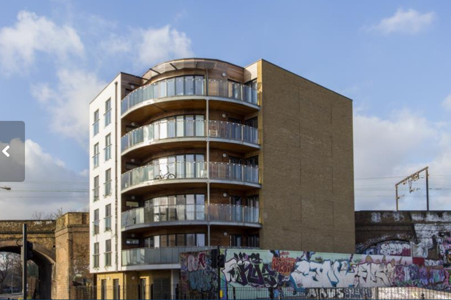Thumbnail Shared accommodation to rent in Sphere, Bow