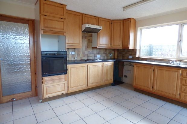 Thumbnail Detached bungalow to rent in Seaview Road, Peacehaven