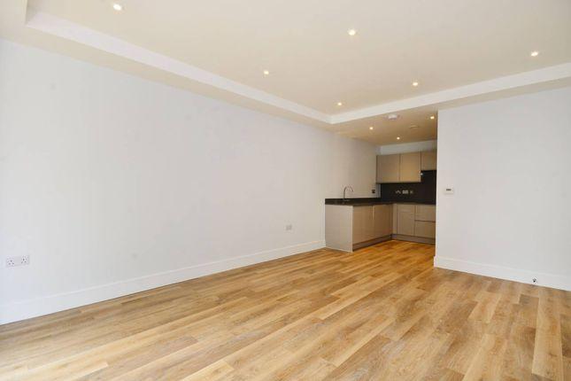 Thumbnail Flat to rent in Knaresborough Drive, Earlsfield