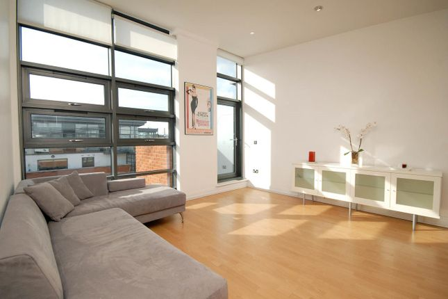 Thumbnail Flat to rent in Dolben Court, Regency Apartments, Montaigne Close, Westminster, London