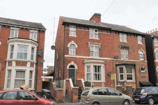 Thumbnail Penthouse for sale in Middleton Road, Banbury