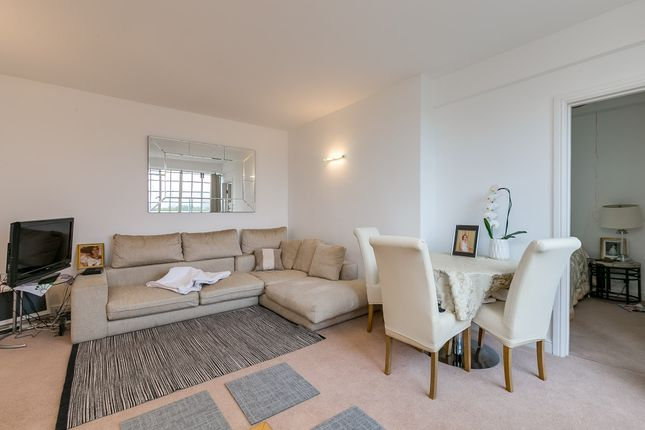 2 bed flat to rent in Chelsea Manor Street, London