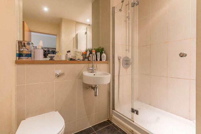 Shower Room of St. Martins Gate, Worcester Street B2