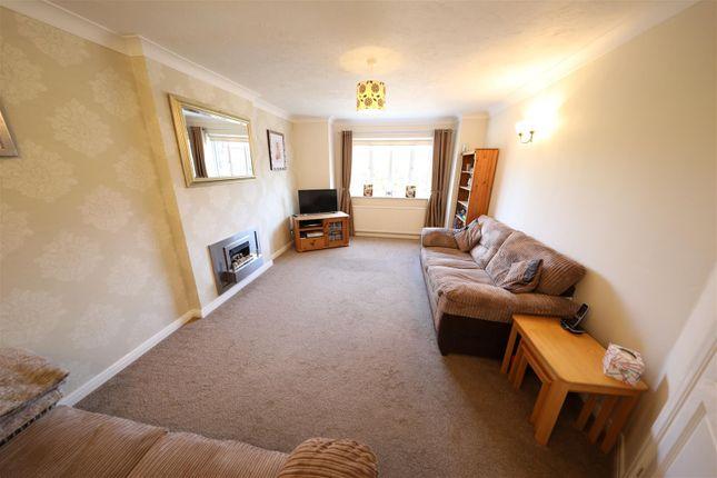 Living Room of Orkney Close, Hull HU8