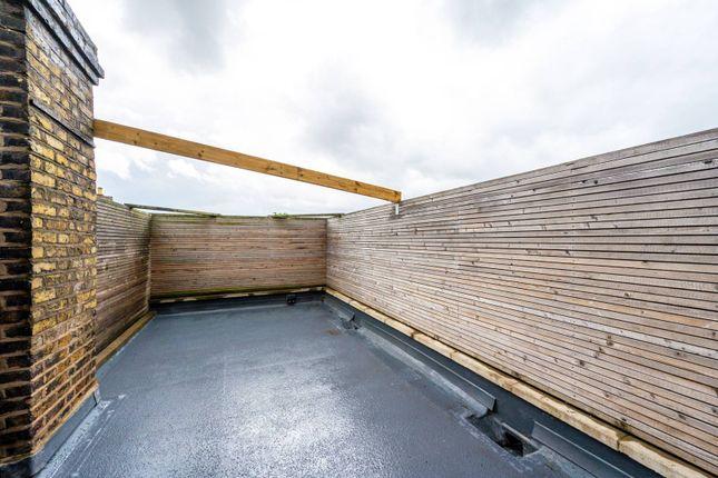 Thumbnail Flat for sale in Granville Road, Southfields, London