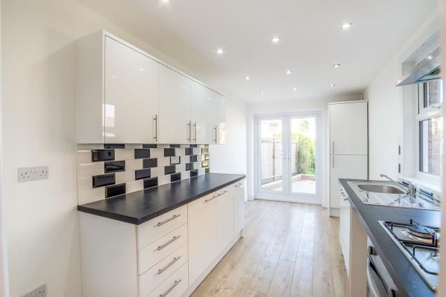 Thumbnail Terraced house for sale in Luton High Street, Chatham, Kent