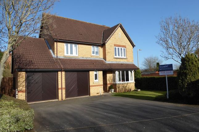 Thumbnail Detached house for sale in Coopers Green, Bicester