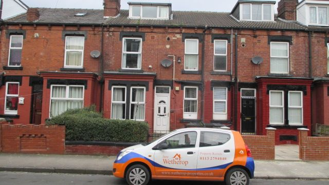 Thumbnail Property to rent in Sutherland Mount, Harehills, Leeds