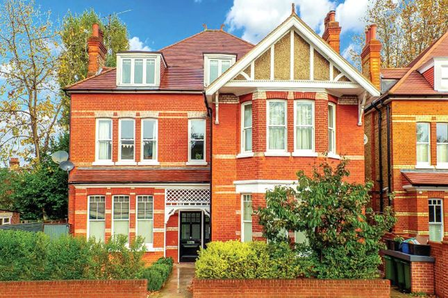 Thumbnail Flat for sale in Spring Grove Road, Richmond, Surrey, UK
