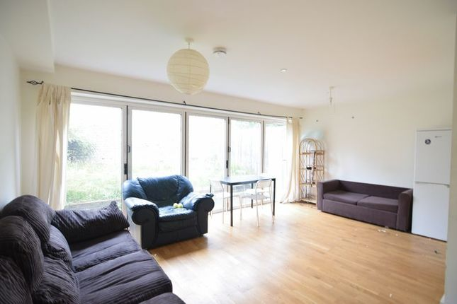 Thumbnail Property to rent in Compton Avenue, Brighton