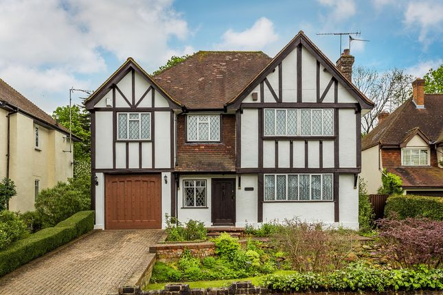 Thumbnail Detached house for sale in Eastlands Way, Oxted